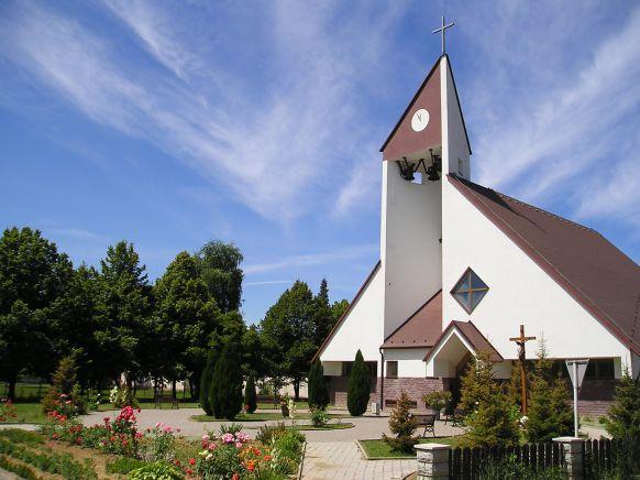 9088838dd Rímskokatolícka cirkev - farnosť Poltár. Evanjelický ...